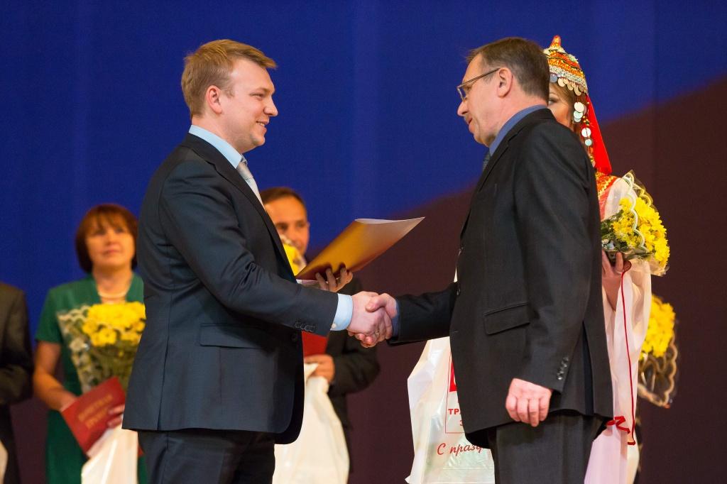 Лучшие тракторостроители отмечены наградами Минпромторга России